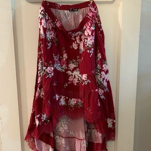 Express floral and lace Hi lo skirt, size XS 🌺